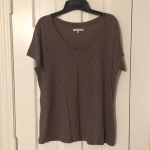 Like new!  100% organic cotton scoop neck tee.